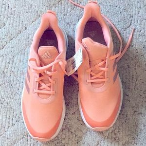 Adidas Cloudfoam peach colored sneakers! Size 7🍑